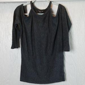 🖤 3/$15 🖤 Forever 21 dark gray sweater